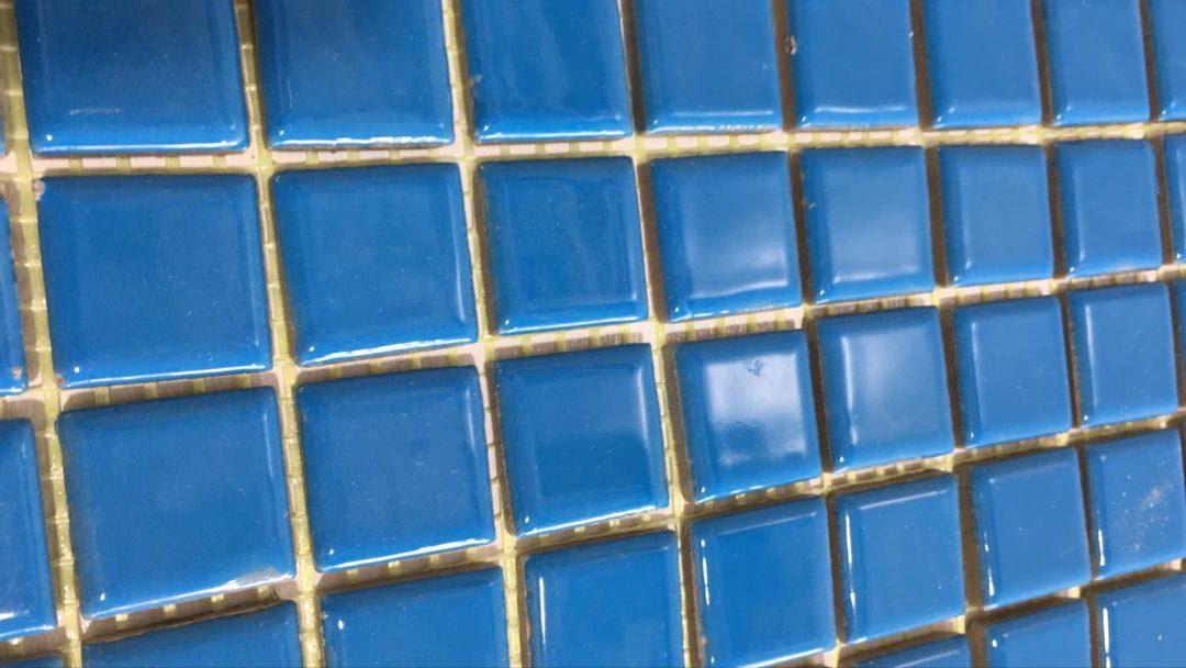 فروش کاشی استخری در کرج | کاشی استخری سایز 2.5*2.5 آبی تیره